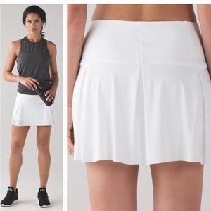 LULULEMON - Lost in Pace Skirt White, 12 Tall